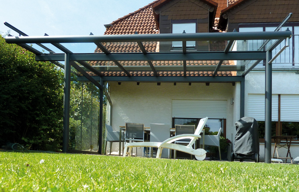 Terrassenüberdachung und Sommergarten